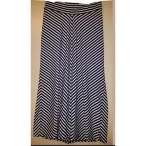XL Old Navy Maternity Maxi Skirt